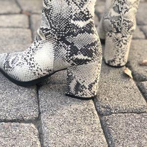 Qupid Shoes - Snake Skin Animal Print Booties